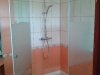 135°-os egyedi zuhanykabin