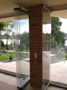 lapozható üvegfal rendszer