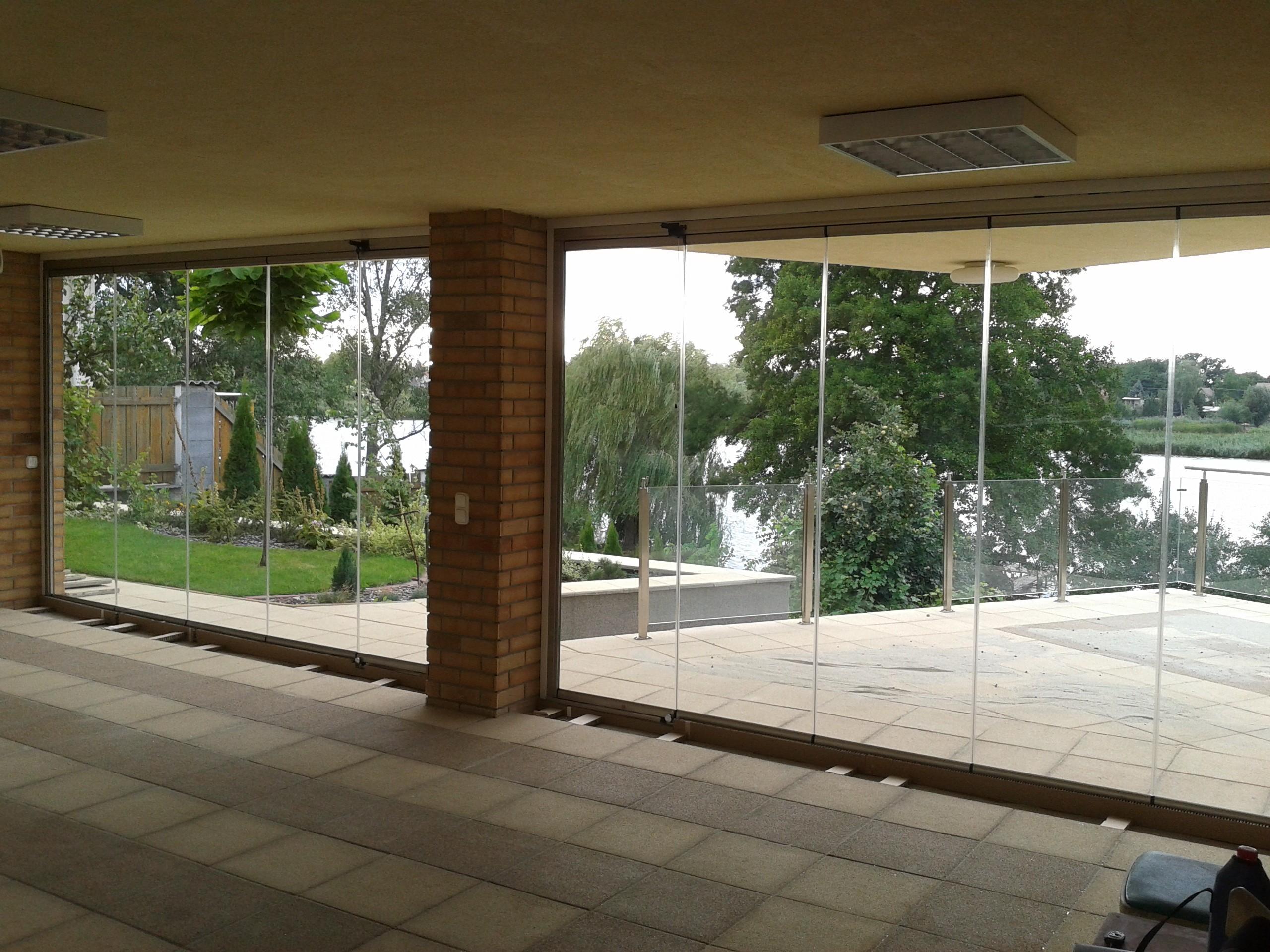 egyedi terasz balkon beépítés